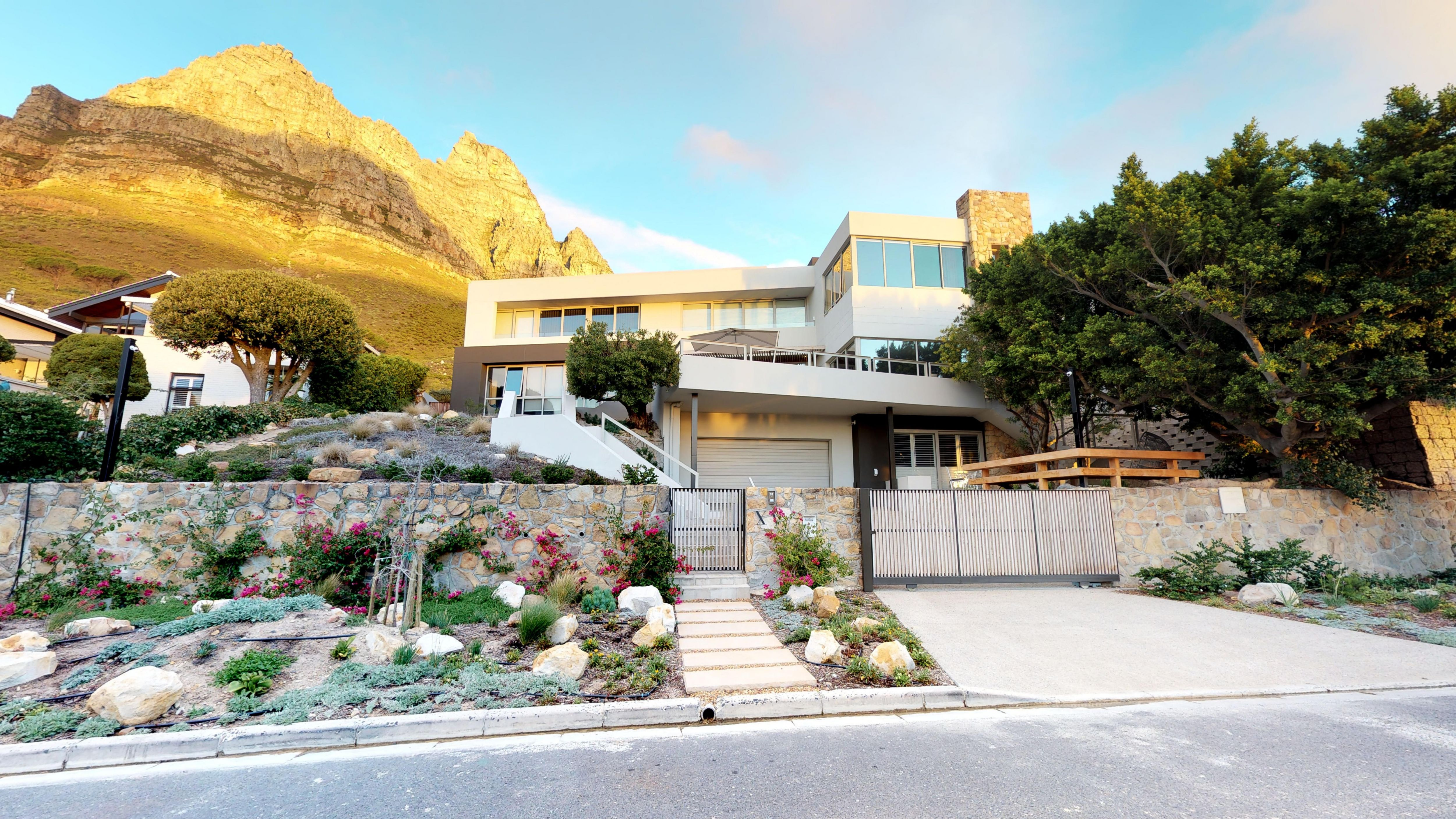 Architectural masterpiece in Camps Bay by 3D Tours