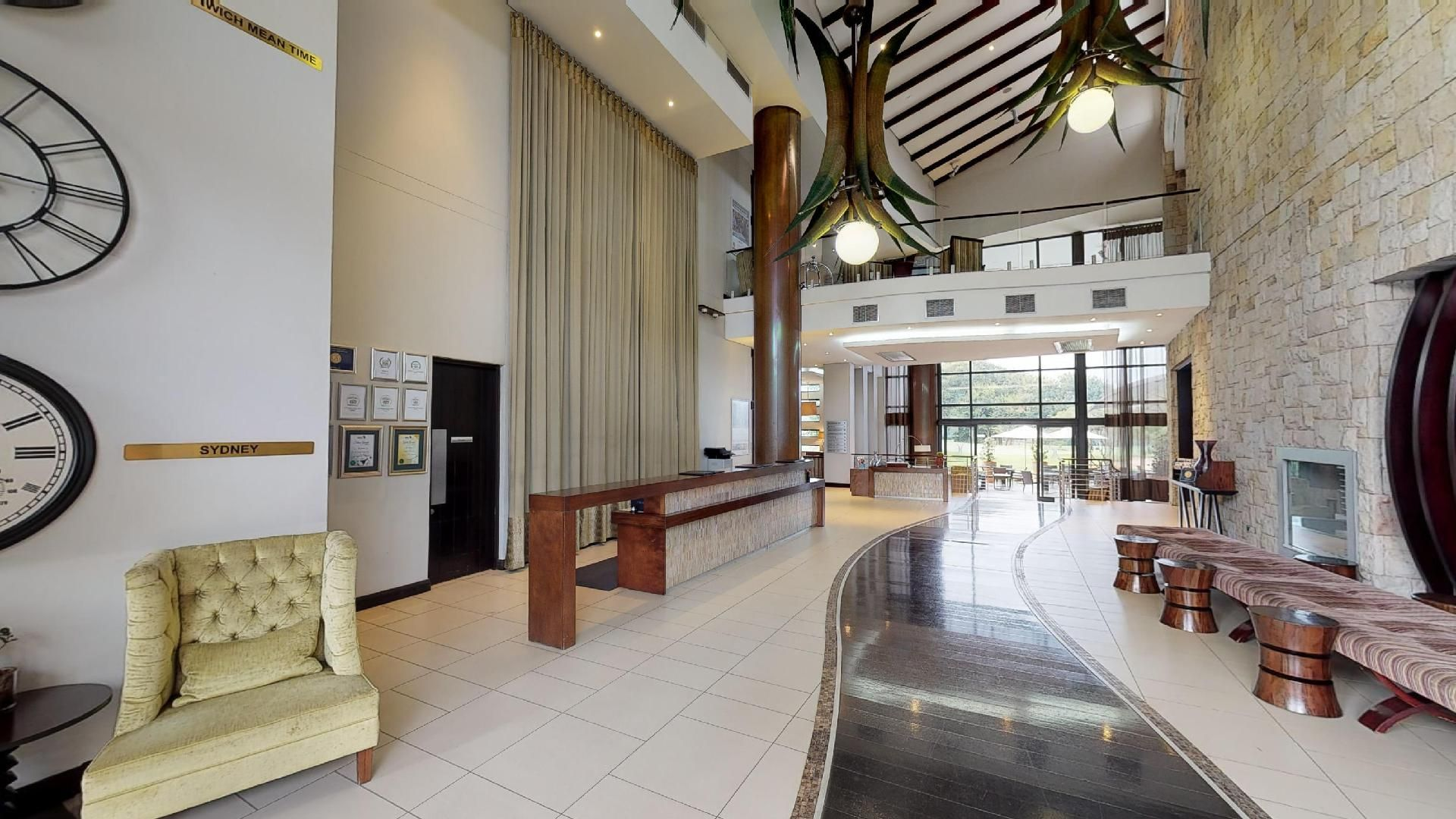 Entrance to the Fairway Hotel
